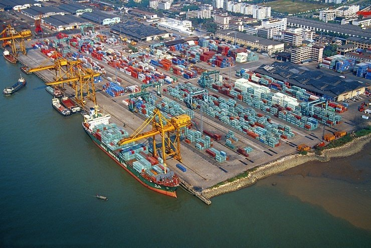 Port of Guangzhou is an important sea port of China