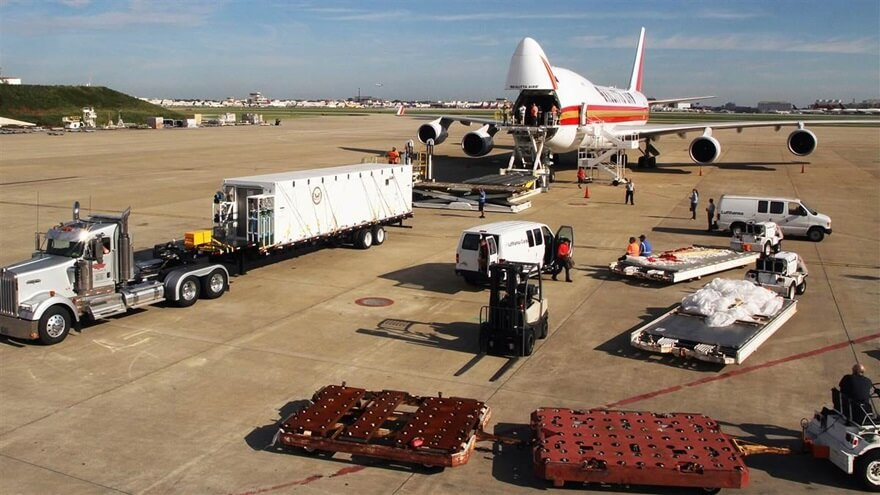 Air Cargo Loading in China